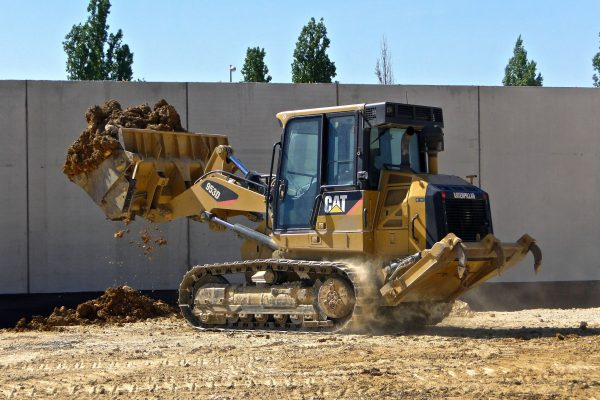 How to Hire Excavator Rental Services for Optimizing Maintenance Cost?